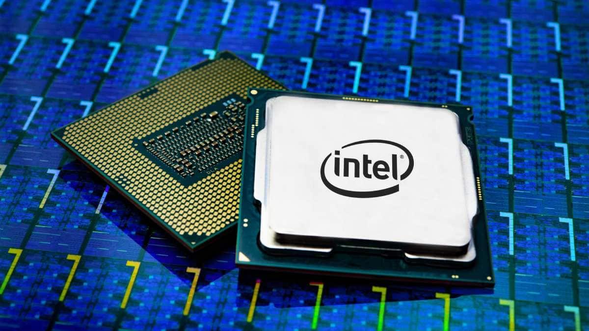 Intel пока не может справиться с нехваткой процессоров.