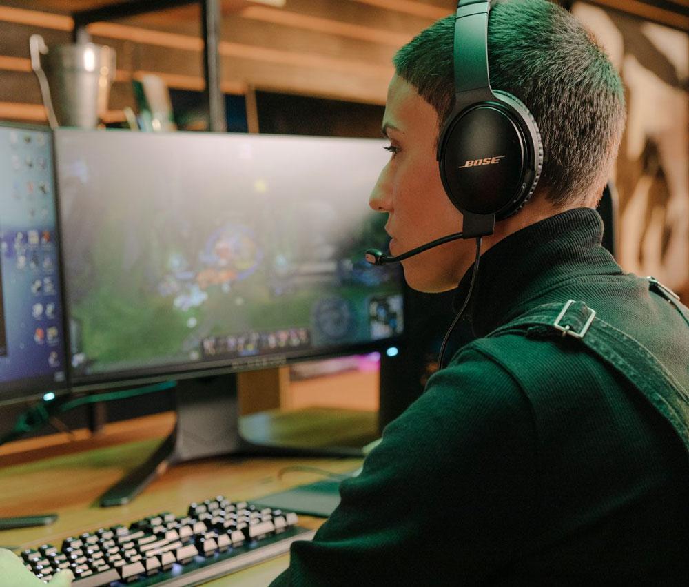 Bose стала новым партнером Riot Games