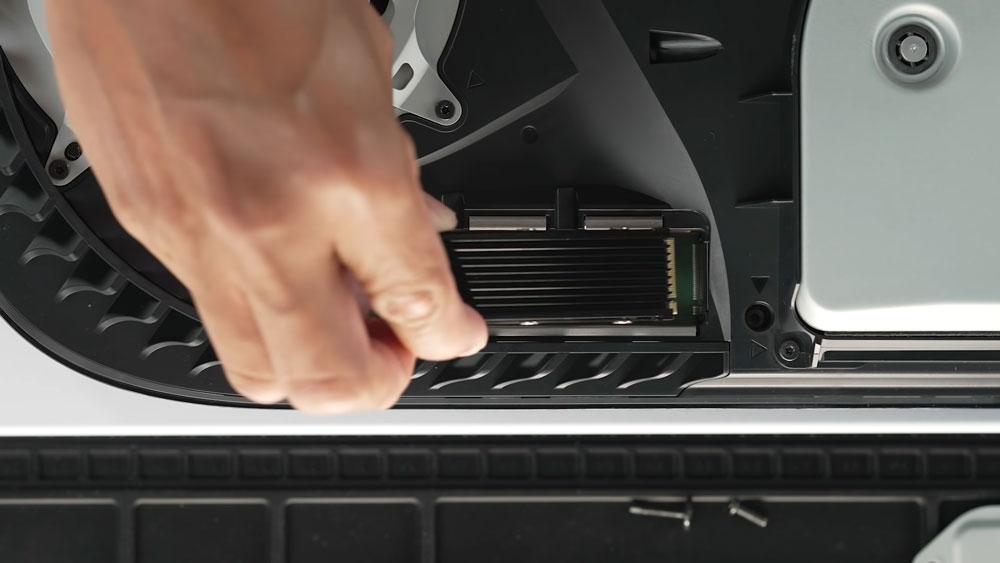 Sony разблокировала слот М.2 в PlayStation 5
