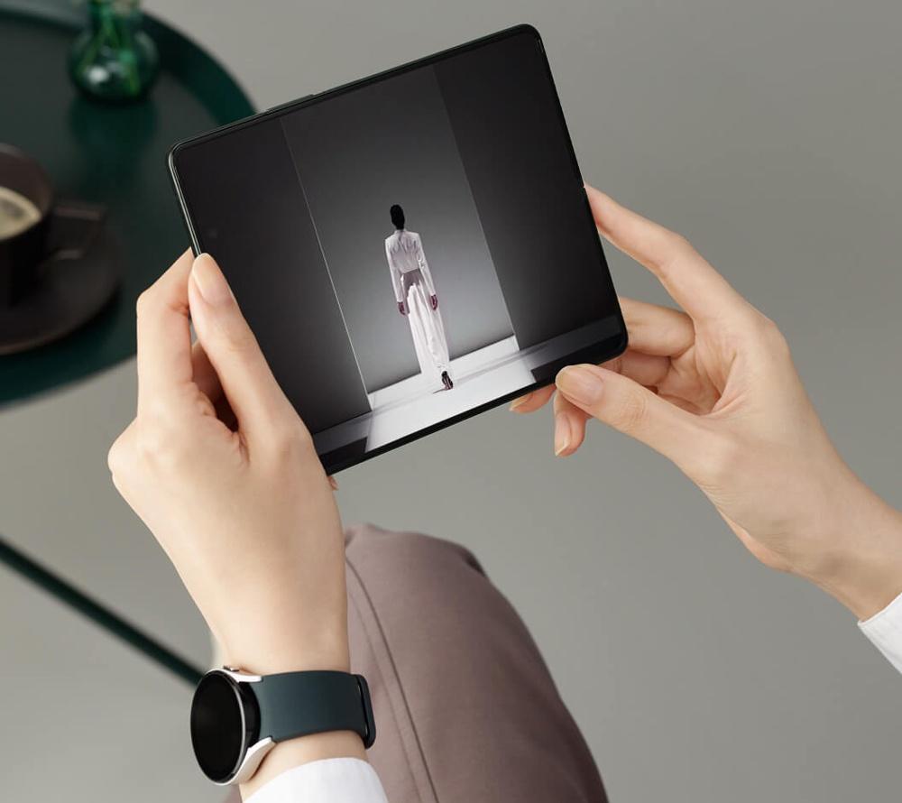 Новинки Galaxy Z Fold3, Z Flip3, Watch4, Buds2 теперь можно без проблем приобрести